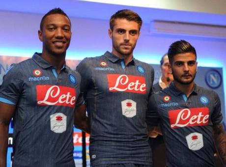 VIDEO Napoli, dal camouflage al jeans: la seconda maglia fa già ...