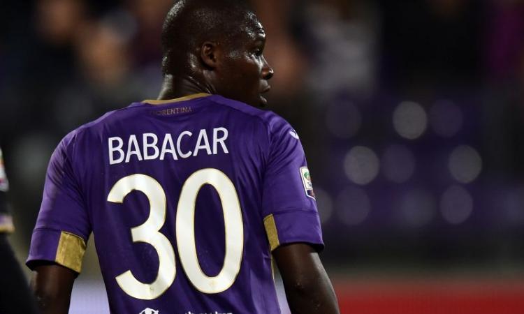 Fiorentina, Babacar: famoso rapper indossa la sua maglia