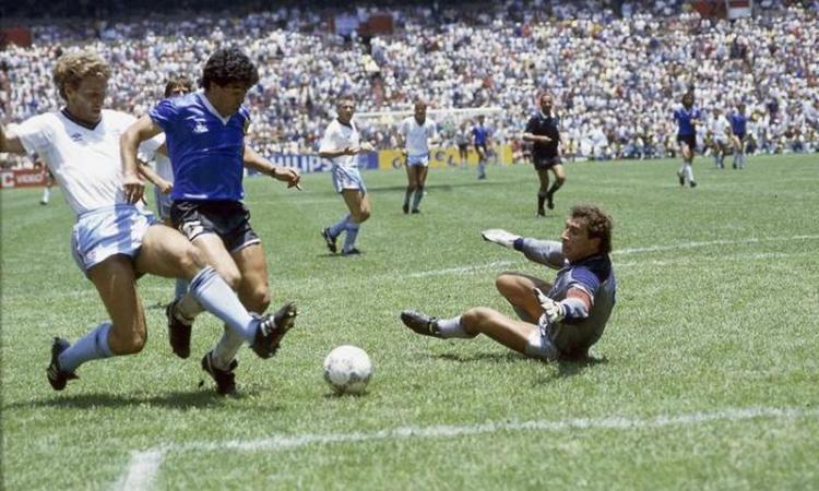 Le Classifiche di CM: la top 10 dei gol in assolo, da Maradona a Weah e Tevez