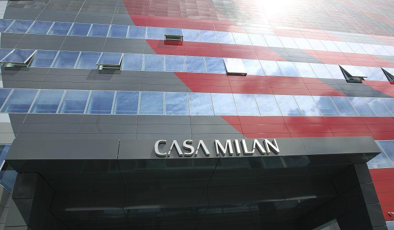 5 o più domande per l'AC Milan: i tifosi meritano risposte