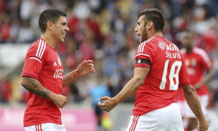 Duello Juve-Roma per un terzino del Benfica