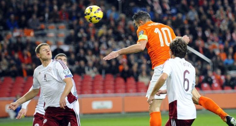 Feyenoord: domani visite mediche per Van Persie