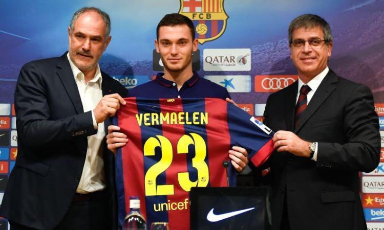 Barcellona, un'intera difesa in vendita