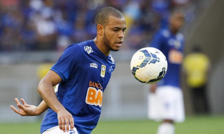 Due terzini brasiliani nel mirino dell'Inter