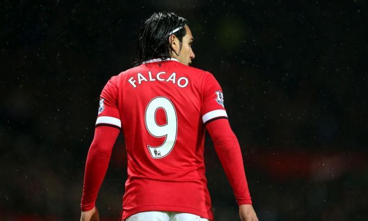 Manchester United: in tre su Falcao