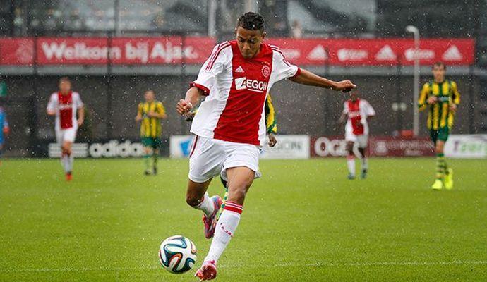 Ajax: due squadre inglesi su Malen