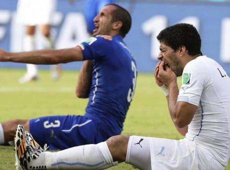 Il morso di Suarez a Chiellini e il 7-1 in Germania-Brasile: l'arbitro Rodriguez diventa l'allenatore del Salamanca