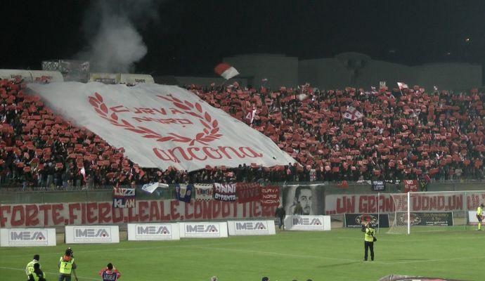 Ancona, finalmente comandano i tifosi