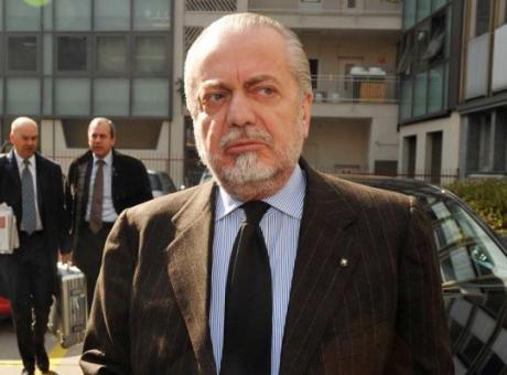 Napoli, De Laurentiis: 'Insigne e Allan possono partire. James e Manolas...'