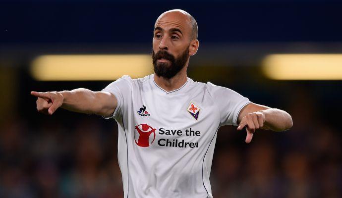 Fiorentina, allarme Borja Valero: esce in barella contro il Valencia