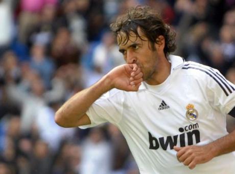 Guai per Raul: l'ex Real Madrid è accusato di reato economico. Rischia il carcere