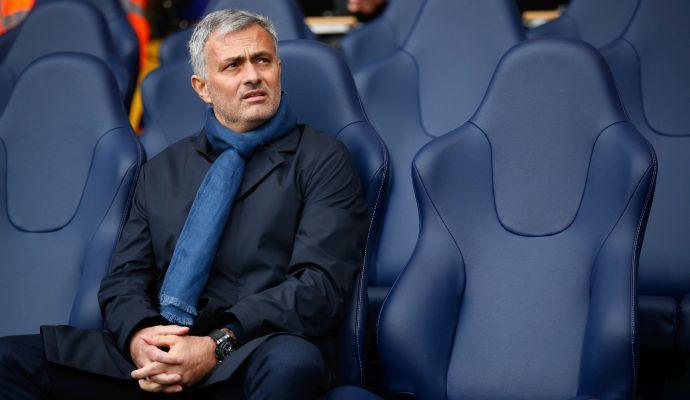 Mourinho si offre con una lettera al Man United, l'agente: 'Voci ridicole e assurde'