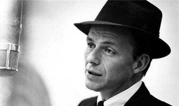Genoa, Lara Gut è l'ultima 'madrina': da Frank Sinatra a Tsitsipas, quando l'insospettabile tifa il Grifone