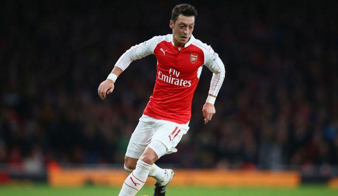 Ozil: a febbraio gli ultimi contatti per il rinnovo con l'Arsenal. L'Inter spera