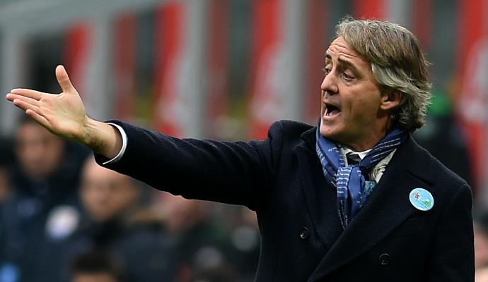 Mancini lancia l'hashtag #ripartiresubito