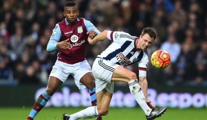 Maxi squalifica per un giocatore dell'Aston Villa
