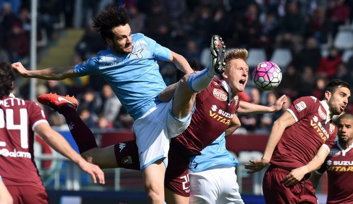 Lazio, problema muscolare per Parolo