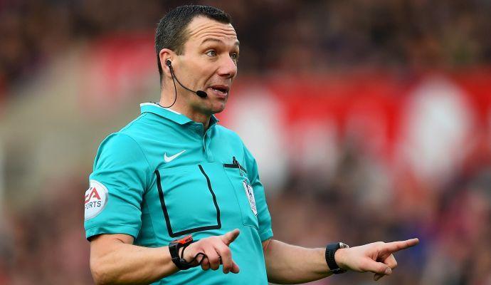 Arbitro designato per il Tottenham, poi il dietrofront: è tifoso del Leicester