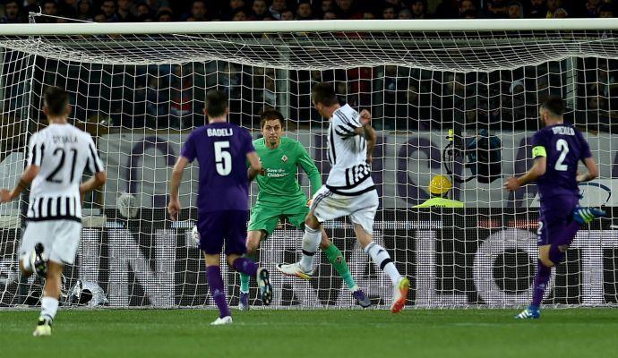 Juve, mani sullo scudetto: 2-1 a Firenze. Campione domani se il Napoli non vince
