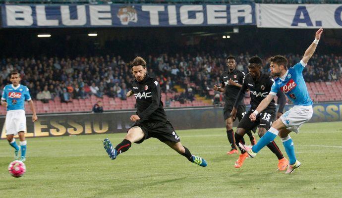 Napoli show, 6-0 al Bologna: Juve a +6