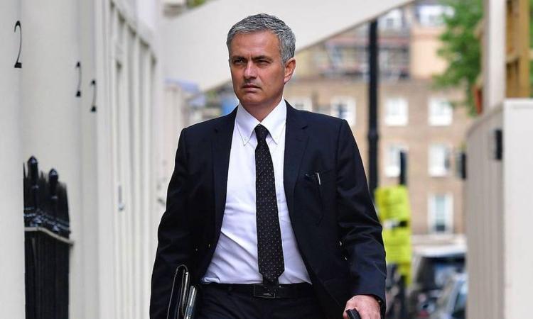 Stampa inglese: l'Inter sogna il ritorno di Mourinho