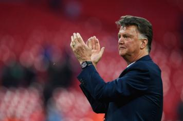 Van Gaal Manchester United applauso