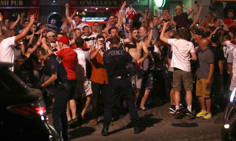 Roma-Liverpool, mille hooligans cercano vendetta: la città sarà blindata