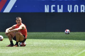 Sanchez Cile seduto