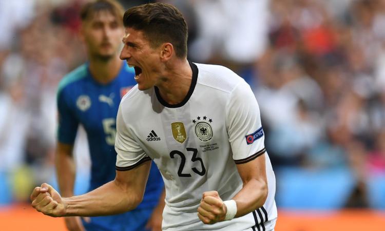 Super Mario Gomez è tornato e si è preso la Germania: Fiorentina, che fai?