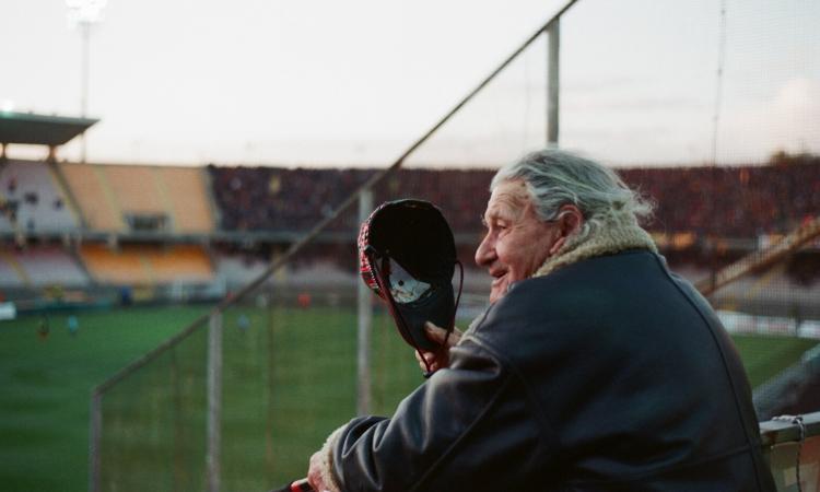 Foggia, premiato nonno Ciccio: a 90 anni è l'ultrà più vecchio d'Italia!