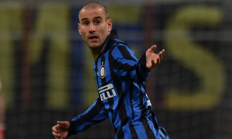 Tutti pazzi per Palacio: è corsa a quattro in Serie A
