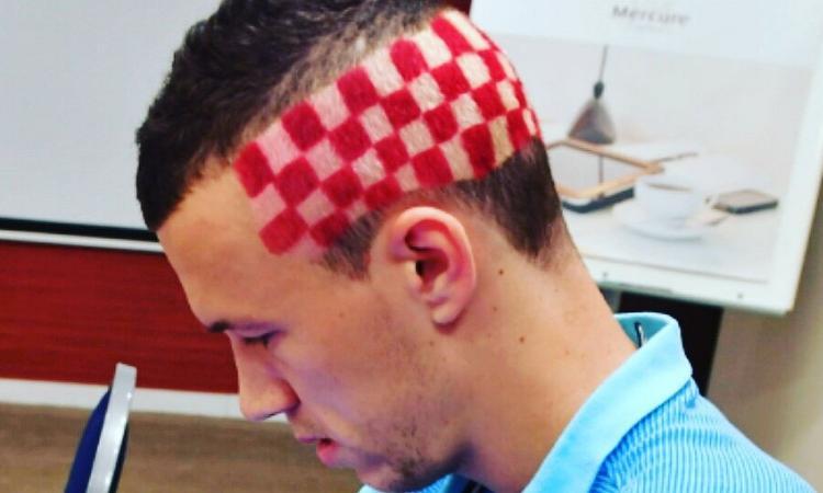 Nuovo taglio di capelli in english
