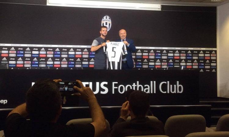VIDEO Pjanic: 'Ho capito perché qui si vince. Higuain alla Juve? Non mi sorprenderebbe'