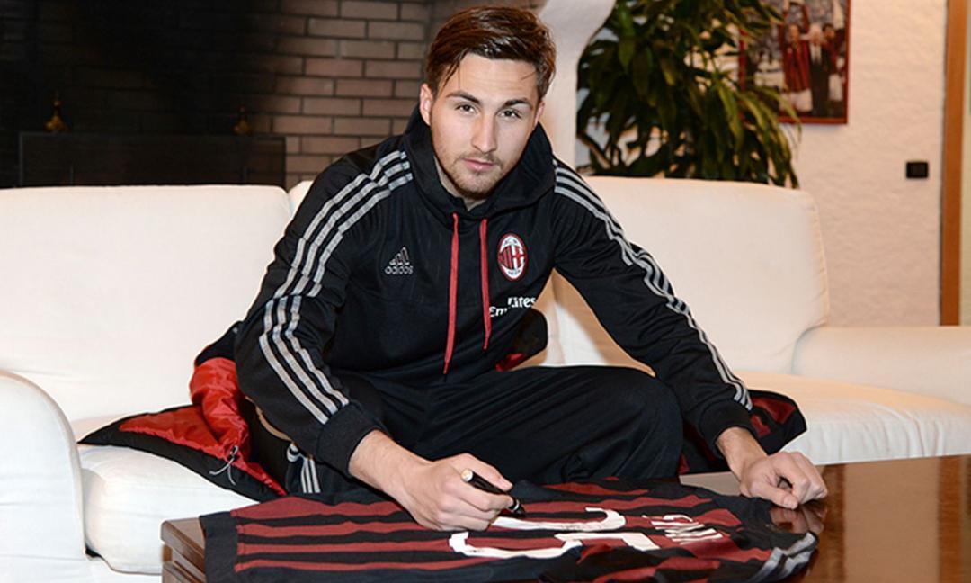 Milan, non facciamo finta di non vederli. E la Uefa...