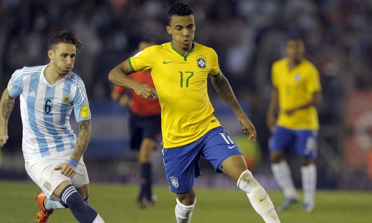Lazio, il sogno è il centrocampista brasiliano