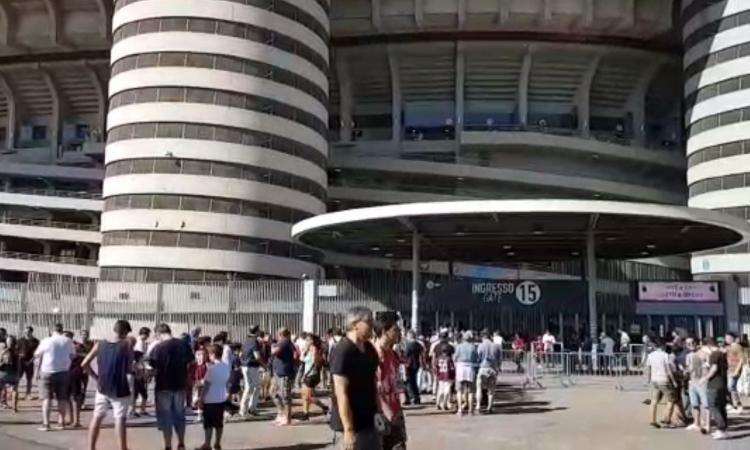 Gli architetti internazionali contro Milan e Inter: 'Da pazzi abbattere San Siro, boicottiamo il bando dello stadio'