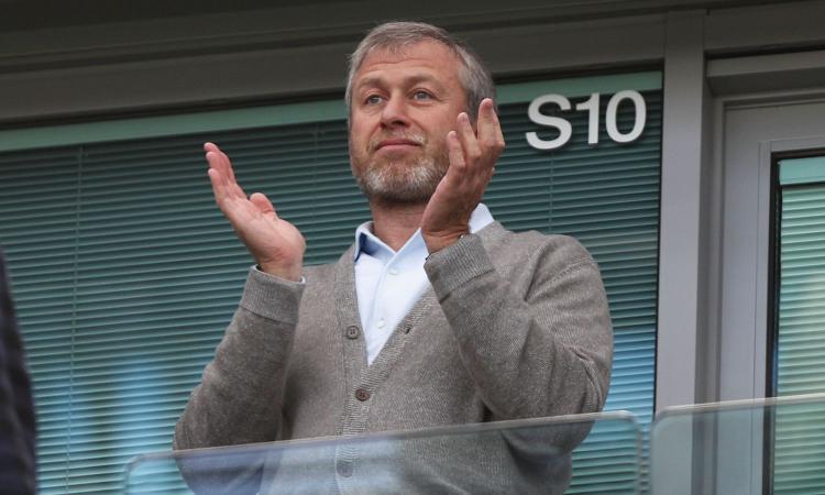 Lo scandalo FINcen colpisce il calcio: coinvolto anche Abramovich