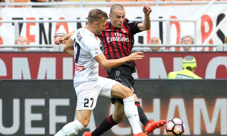 Fiorentina, questione terzino sinistro: ''no' di Antonelli, problemi per Strinic e Stafylidis