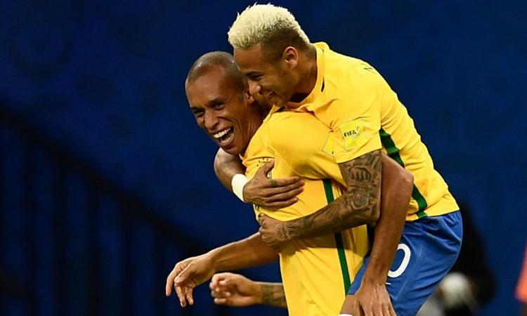 Qual. Mondiali: Miranda lancia il Brasile, Martinez spaventa l'Argentina