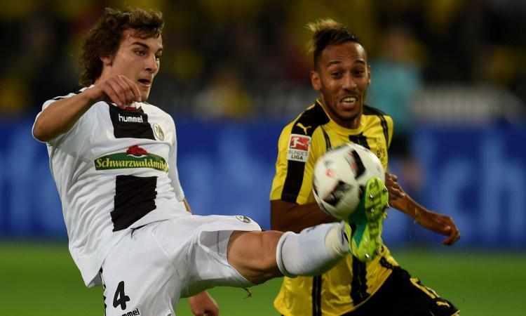 Bundesliga: Borussia Dortmund, tris al Friburgo e aggancio al Bayern Monaco