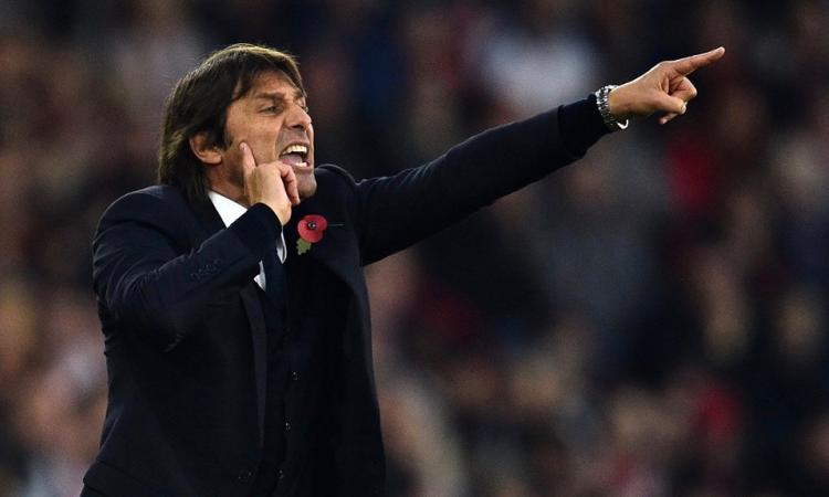 Chelsea, sfida all'Arsenal per un portiere del Manchester United