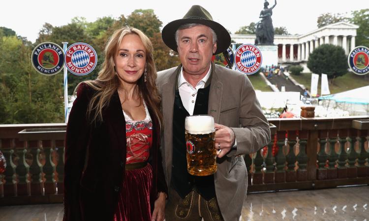 Bayern Monaco, la birra risolve i problemi VIDEO