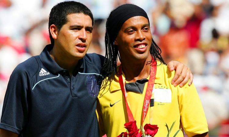 Riquelme e Ronaldinho insieme: sei mesi gratis nella Chapecoense