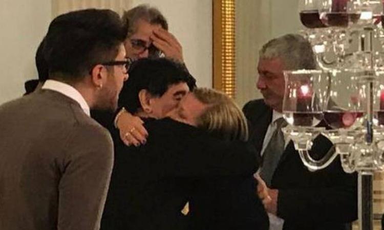Maradona, la grande giornata prima del San Carlo: Diego jr., la mamma di Ciro e Bruscolotti