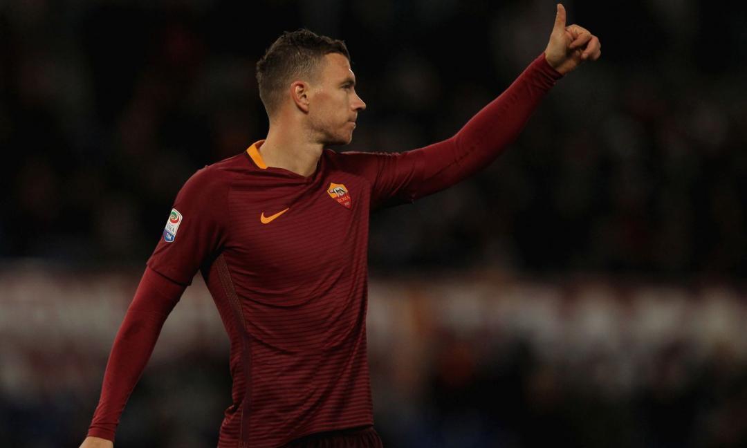 L'agente di Dzeko lo paragona a van Basten: è l'attaccante più forte della Serie A?