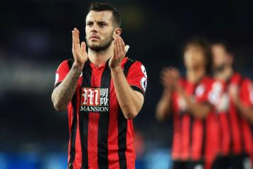 wilshere, bournemouth, applauso, 2016/17
