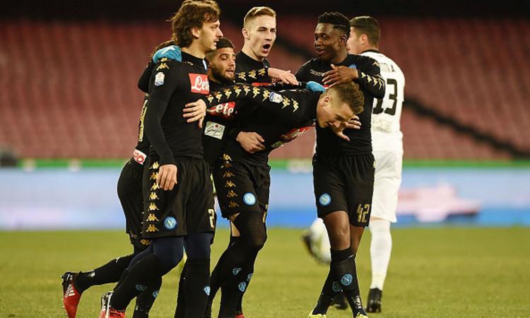 Coppa Italia: Napoli, tris allo Spezia. Gabbiadini ai saluti, debutta Pavoletti
