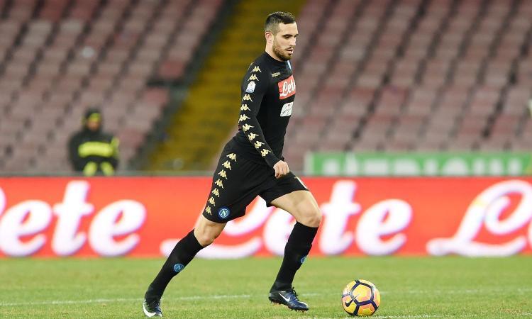 Napoli, l'Arsenal insiste per un difensore