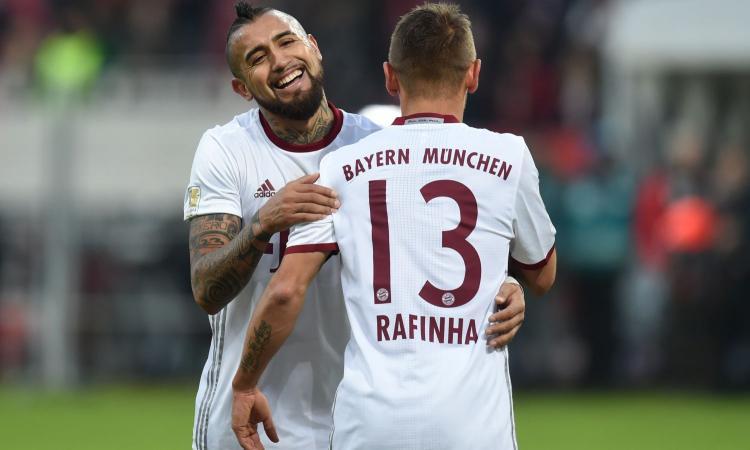 Bayern Monaco, Rafinha resta