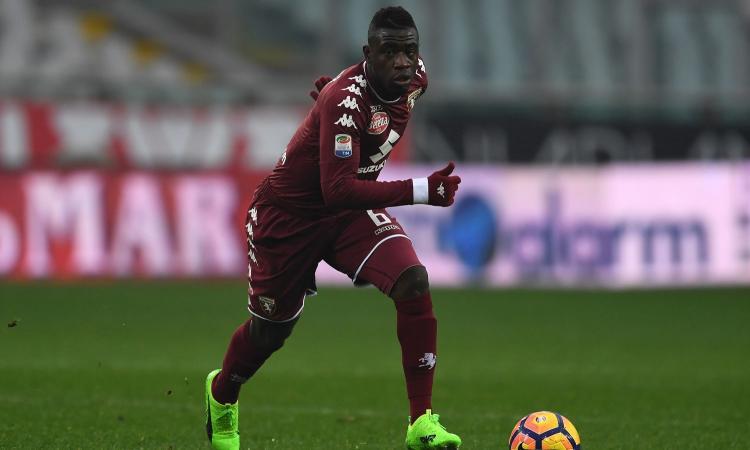 Torino, offerte dalla Premier per un centrocampista